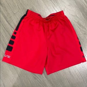 EUC BARELY WORN NIKE ELITE BBALL SHORTS SIZE XXL🏀
